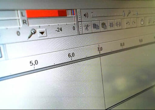 Aussteuerung in Audacity: Das Signal sollte sich zwischen -6 und 0 db einpegeln.