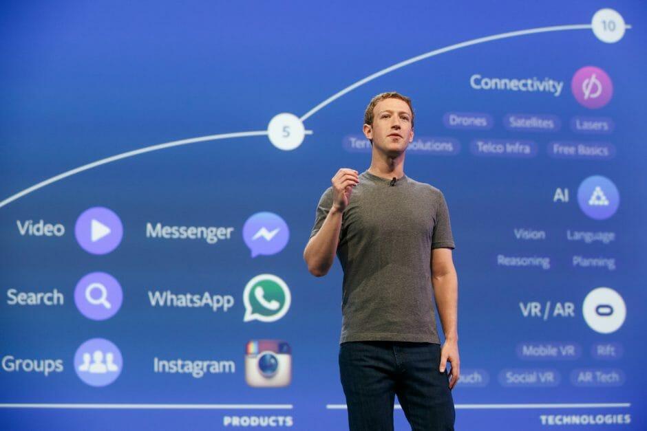 Mark Zuckerberg auf der f8-Konferenz 2016 (Bild:Facebook)
